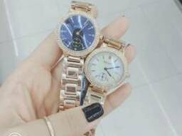 Часы марки Омакс