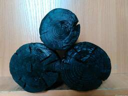 Легкий древесный уголь из сосны